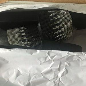 Shoes - Vilado slides (skyla)